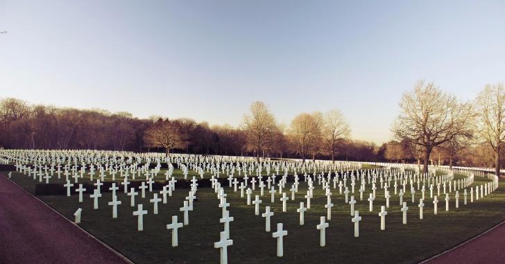 多くの十字架の墓
